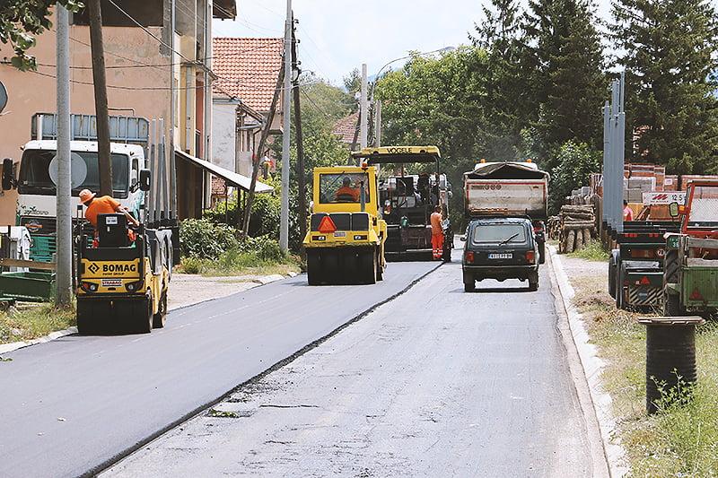 Asfalitranje Caletove ulice, foto: RBS