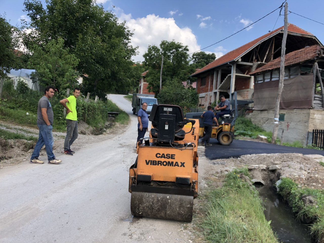 Izgradnja puta kroz Grbavče, foto: Radio Bubamara