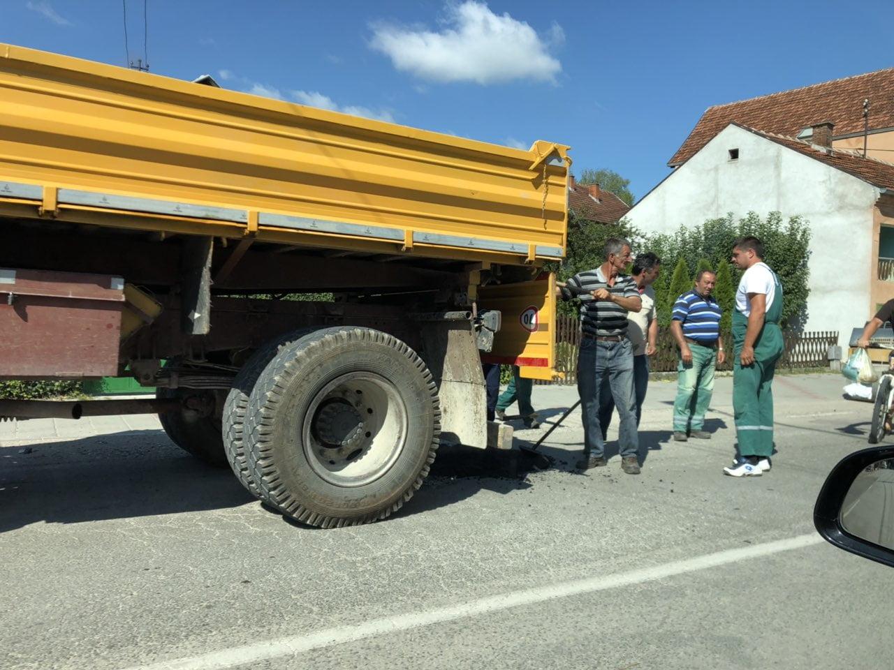 Asfaltiranje udarnih rupa, foto: RBS