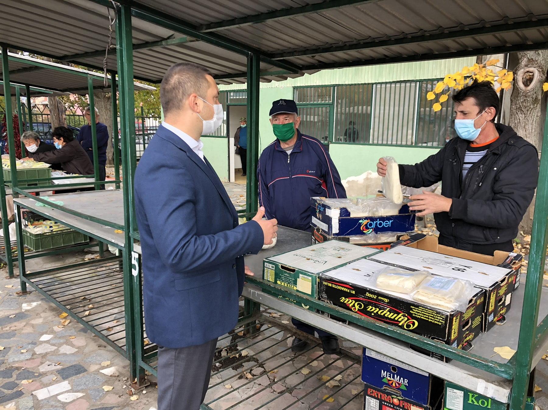 Predsednik opštine u poseti zelenoj pijaci, foto: Opštinski sajt, Opština Svrljig